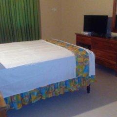 Отель Palm Bay Guest House & Restaurant Ямайка, Монтего-Бей - отзывы, цены и фото номеров - забронировать отель Palm Bay Guest House & Restaurant онлайн удобства в номере фото 2