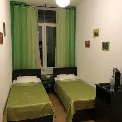 Хостел Бабушка Хаус Номер Делюкс с 2 отдельными кроватями