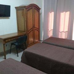 Отель Hostal Retiro Стандартный номер с различными типами кроватей фото 3
