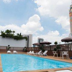 Отель True Siam Rangnam Бангкок бассейн фото 3