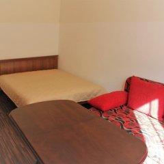 Апартаменты Виталий Гут на Центральной Площади комната для гостей фото 2