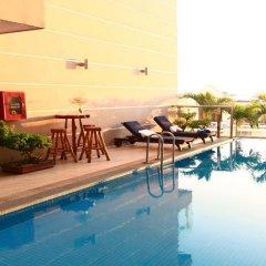 Gold Hotel Hue бассейн