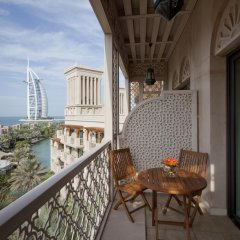 Отель Jumeirah Al Qasr - Madinat Jumeirah 5* Улучшенный номер с различными типами кроватей фото 13