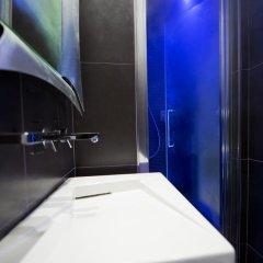 Отель Torre Argentina Relais - Residenze di Charme 3* Стандартный семейный номер с двуспальной кроватью фото 11