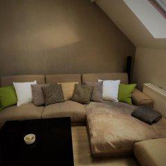 Апартаменты Villa Einstein Apartments комната для гостей