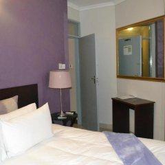 Отель Yana Bed & Breakfast Габороне комната для гостей фото 4