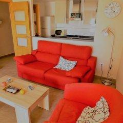 Отель Valencia Beach Suites Wifi Fibra комната для гостей фото 5