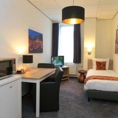 Amsterdam Teleport Hotel 3* Стандартный семейный номер с различными типами кроватей фото 2