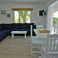 Отель Villa Caryana Испания, Кала-эн-Бланес - отзывы, цены и фото номеров - забронировать отель Villa Caryana онлайн комната для гостей фото 3