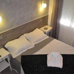 Отель Hostal Meyra Испания, Мадрид - отзывы, цены и фото номеров - забронировать отель Hostal Meyra онлайн сейф в номере