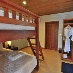 Mayura Hill Hotel & Resort сейф в номере