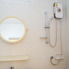 Отель B & L Guesthouse 3* Улучшенный номер с разными типами кроватей фото 16