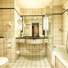 Отель Leonardo Royal Hotel Düsseldorf Königsallee Германия, Дюссельдорф - 3 отзыва об отеле, цены и фото номеров - забронировать отель Leonardo Royal Hotel Düsseldorf Königsallee онлайн ванная