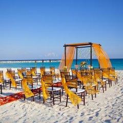 Отель Krystal Cancun Мексика, Канкун - 2 отзыва об отеле, цены и фото номеров - забронировать отель Krystal Cancun онлайн пляж фото 2