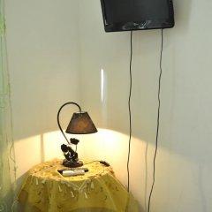 Отель Daffodil in Roma San Pietro Стандартный номер с двуспальной кроватью (общая ванная комната) фото 10