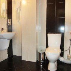 Отель Meteor Family Hotel Болгария, Чепеларе - отзывы, цены и фото номеров - забронировать отель Meteor Family Hotel онлайн ванная