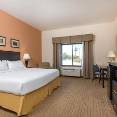 Отель Holiday Inn Express and Suites Lafayette East 2* Стандартный номер с различными типами кроватей фото 2