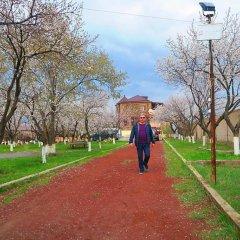 Отель Three Jugs B&B Ереван детские мероприятия фото 2