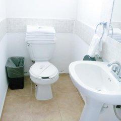 Отель Hostal Haina Мексика, Канкун - отзывы, цены и фото номеров - забронировать отель Hostal Haina онлайн ванная