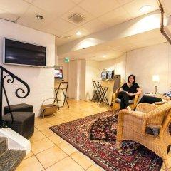 Хостел Lodge32 Стандартный номер с 2 отдельными кроватями (общая ванная комната) фото 2