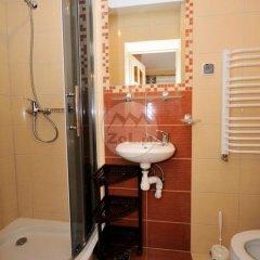 Отель Domek Centrum Nowotarska Польша, Закопане - отзывы, цены и фото номеров - забронировать отель Domek Centrum Nowotarska онлайн ванная
