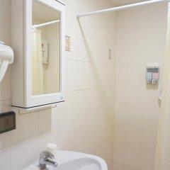 Отель Ratchadamnoen Residence 3* Стандартный номер с различными типами кроватей фото 5