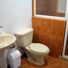 Отель Suites del Carmen - Churubusco Мексика, Мехико - отзывы, цены и фото номеров - забронировать отель Suites del Carmen - Churubusco онлайн ванная