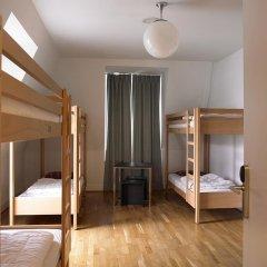 Geneva Hostel комната для гостей