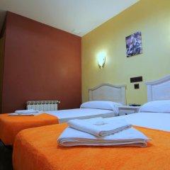 Отель Hostal Regio Стандартный номер с двуспальной кроватью фото 18