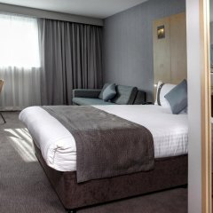 Отель Holiday Inn London - Luton Airport комната для гостей фото 4