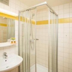 JUFA Hotel Salzburg 2* Стандартный семейный номер с двуспальной кроватью фото 3