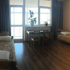 Мини-Отель Зелёный берег Стандартный номер с 2 отдельными кроватями (общая ванная комната)