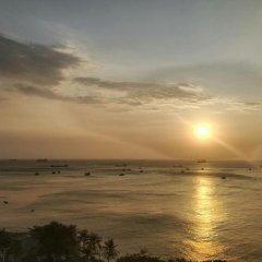 Отель Cozzy Seaview Apartment Вьетнам, Вунгтау - отзывы, цены и фото номеров - забронировать отель Cozzy Seaview Apartment онлайн пляж