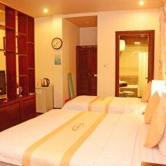 Victory Hotel Hue 3* Стандартный семейный номер с двуспальной кроватью фото 7
