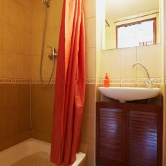 Гостиница To Lviv Econom Studio Украина, Львов - отзывы, цены и фото номеров - забронировать гостиницу To Lviv Econom Studio онлайн ванная фото 2