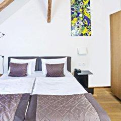 Отель Golden Crown 4* Улучшенный номер с двуспальной кроватью фото 22