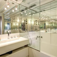 Отель Sole al Pantheon Penthouse Италия, Рим - отзывы, цены и фото номеров - забронировать отель Sole al Pantheon Penthouse онлайн ванная