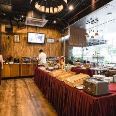 Отель Adelphi Suites Bangkok питание фото 3