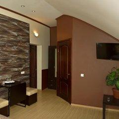 Гостиница Ростов Улучшенный номер двуспальная кровать фото 2