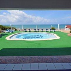 Отель Sunset Resort Треже-Бич бассейн