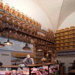 Отель San Petronio Suite Италия, Болонья - отзывы, цены и фото номеров - забронировать отель San Petronio Suite онлайн питание