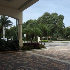 Отель Courtyard by Marriott Aventura Mall парковка