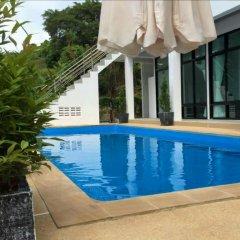 Отель Khung Wimarn Beach Home бассейн