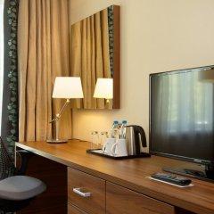 Гостиница Hilton Garden Inn Moscow Новая Рига 4* Стандартный номер с двуспальной кроватью фото 7
