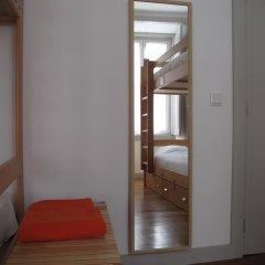 Inn Possible Lisbon Hostel Кровать в общем номере с двухъярусной кроватью фото 12