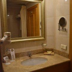 Гостиница Милан 4* Стандартный номер с 2 отдельными кроватями фото 14
