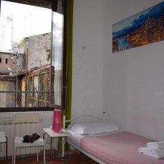 Отель Rose Santamaria Residence Кровать в женском общем номере фото 4