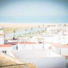 Отель Hostal Malia Испания, Кониль-де-ла-Фронтера - отзывы, цены и фото номеров - забронировать отель Hostal Malia онлайн пляж
