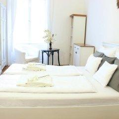 Апартаменты Romantic Downtown Apartments Будапешт комната для гостей фото 2