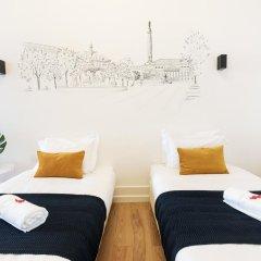 Отель Lisbon Check-In Guesthouse 3* Улучшенный номер с различными типами кроватей фото 6